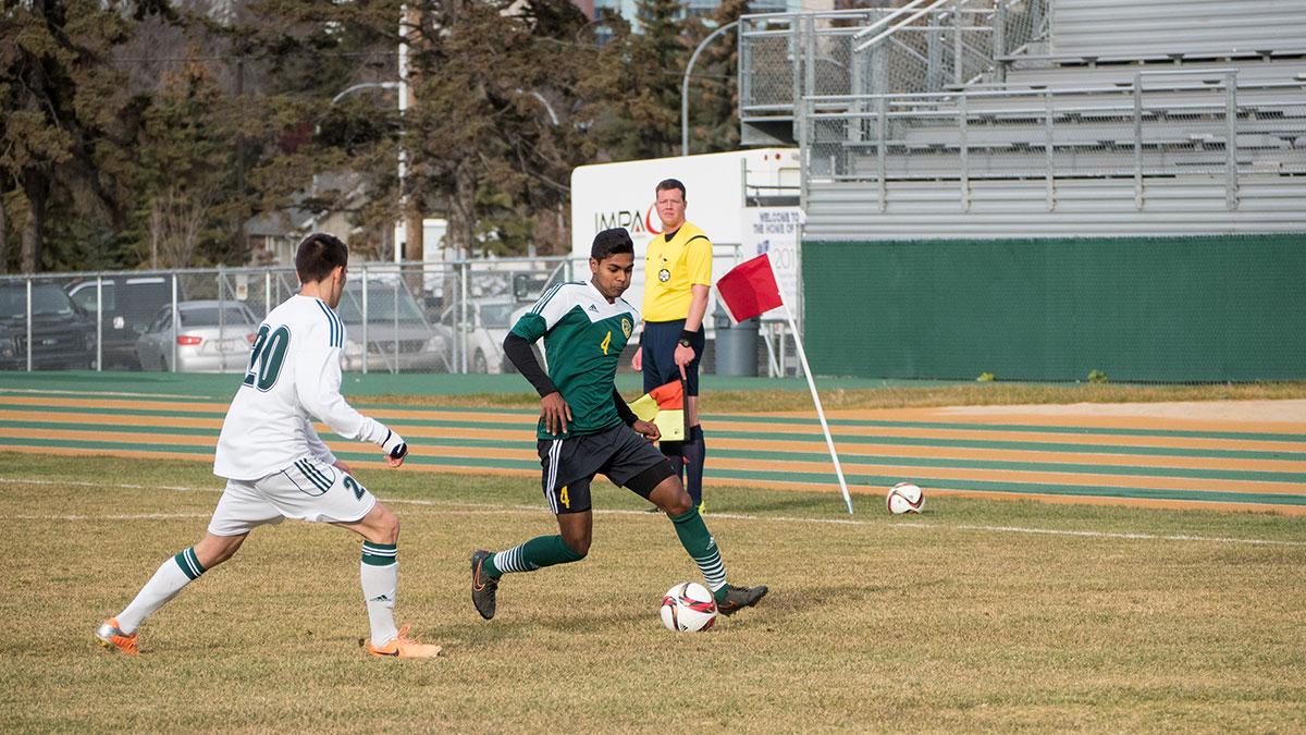 Sports-Kevin-Schenk-Bears-Soccer-5
