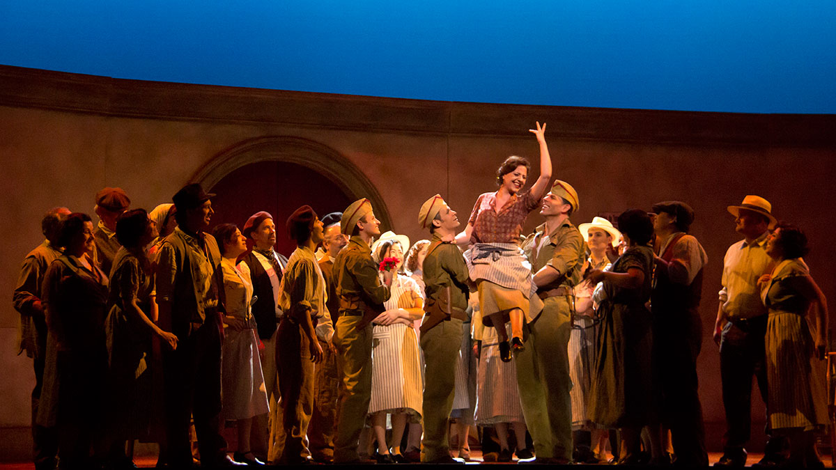 Edmonton Opera revitalizes the classic story of Carmen