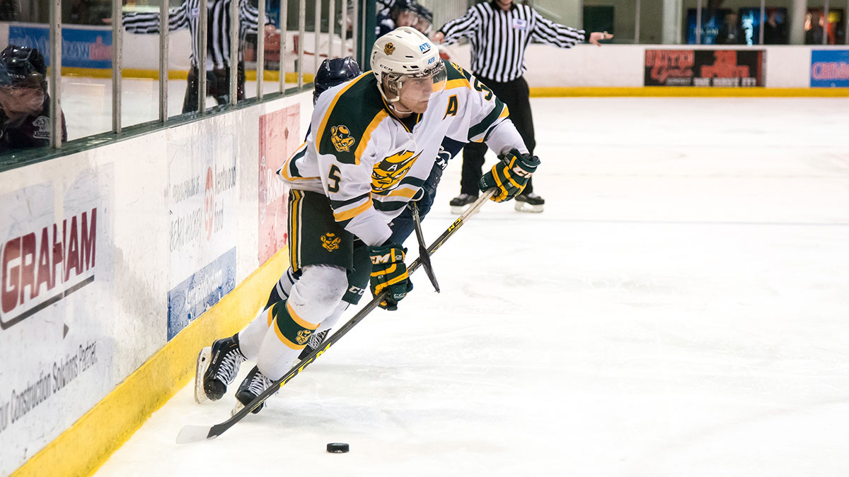 Photo of Puck Bears swept by Huskies, lose out on fourth straight Canada West title