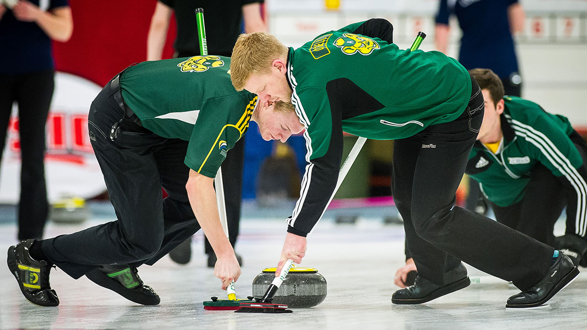 Sports-Supplied-Credit-Adam-Gagnon-Varsity-Sports-Awards-Curling
