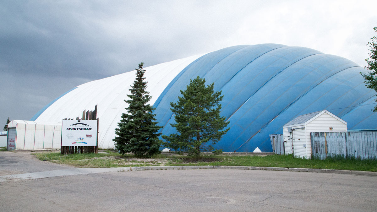 1050 – The Edmonton Sportsdome