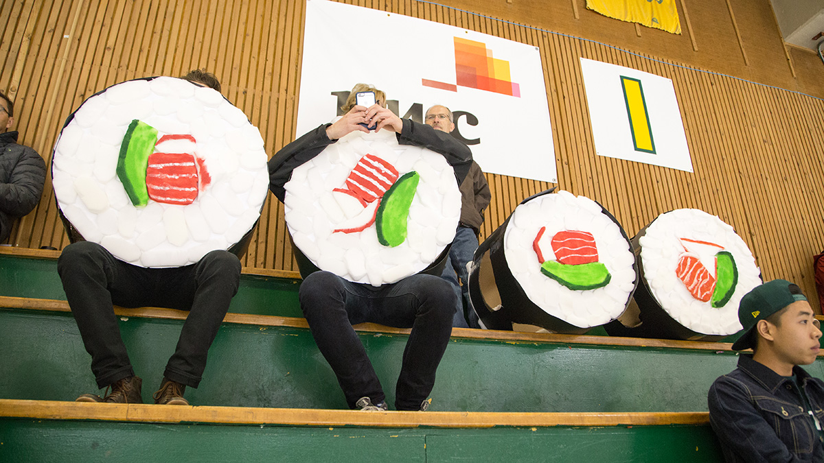UAlberta hockey fans have a major in heckling