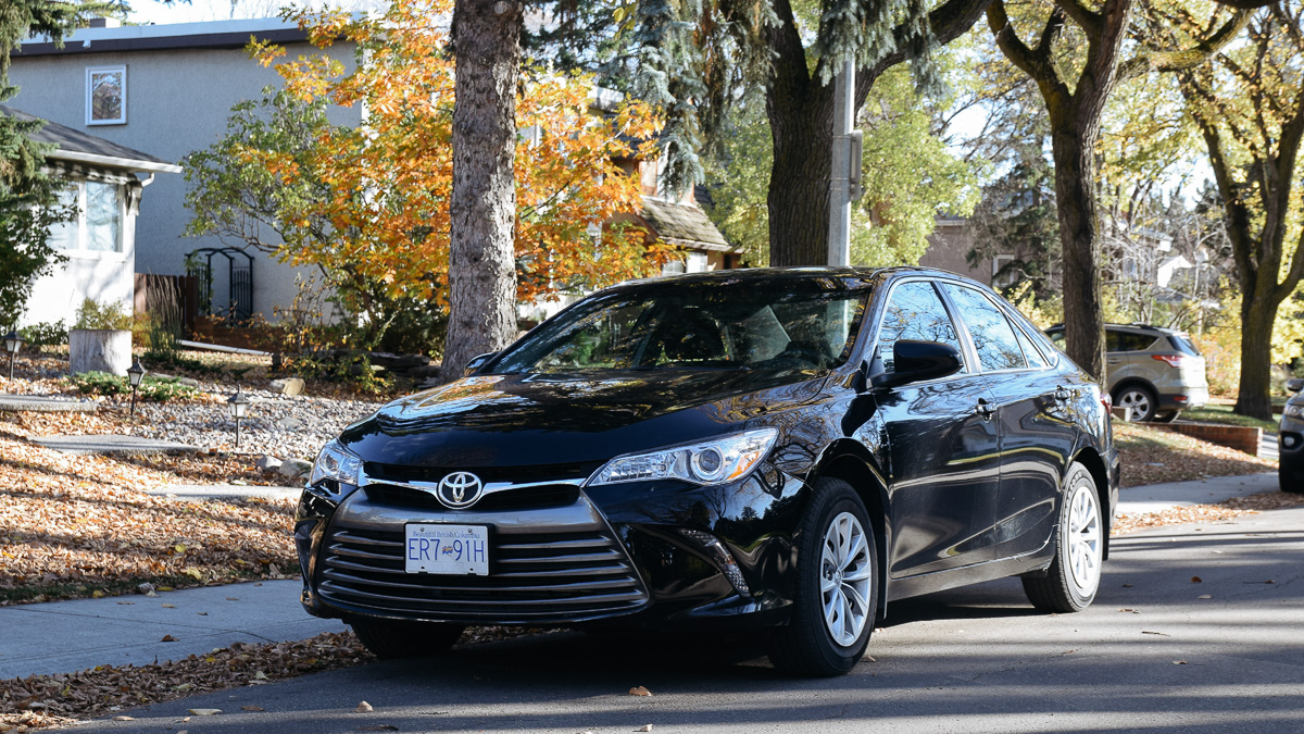 Photo of The Student Driver: 2017 Toyota Camry LE 6-speed Auto