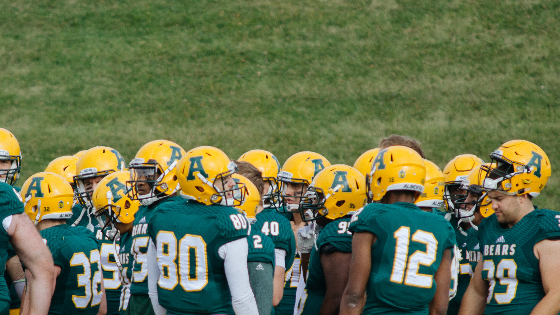 Photo of 1050: Football: Golden Bears vs.Thunderbirds
