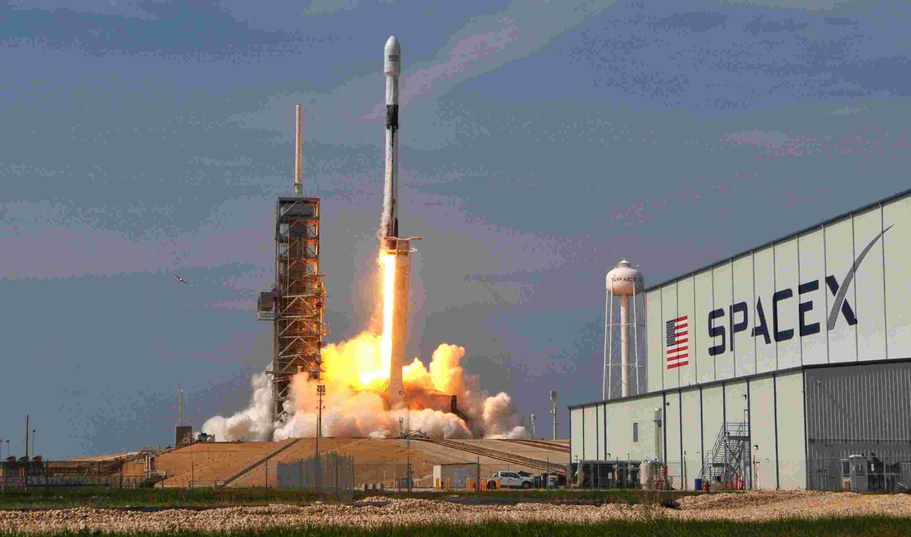 636616752642732439-crb051118-spacex-10- The Gateway