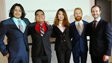Photo of U of A economics students to compete in Bank of Canada challenge
