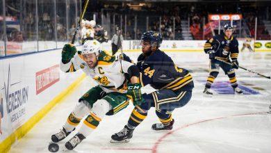 Photo of Photos: The University of Alberta Golden Bears defeat the Lethbridge Pronghorns 7-1