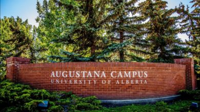 Photo of Provincial budget forces two U of A program closures at Augustana, leaves students stunned