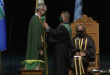 Photo of Bill Flanagan installed as 14th president of the U of A